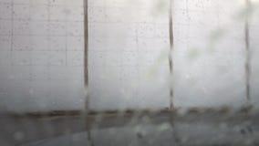 Opinião do para-brisa da lavagem de carros vídeos de arquivo