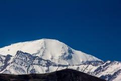 Opinião do pico de Tilicho Fotografia de Stock