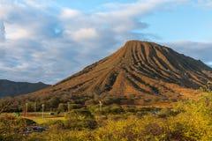 Opinião do por do sol Koko Crater em Oahu, Havaí imagem de stock royalty free