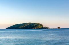 Opinião do por do sol na ilha de Sveti Nikola Foto de Stock