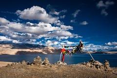 Opinião do por do sol no lago Tso Moriri Foto de Stock