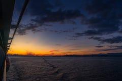 Opinião do por do sol do cruzeiro de Alaska fotografia de stock royalty free