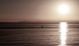 Opinião do por do sol da ilha de Catalina em Califórnia foto de stock