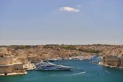 Opinião do porto de valletta, capital da ilha de Malta Fotografia de Stock