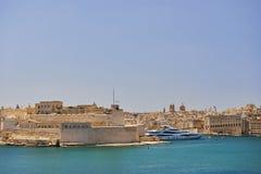 Opinião do porto de valletta, capital da ilha de Malta Fotos de Stock