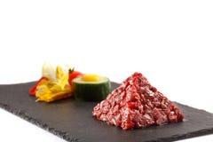 Opinião do pyramida da carne do beaf do tártaro Imagem de Stock Royalty Free