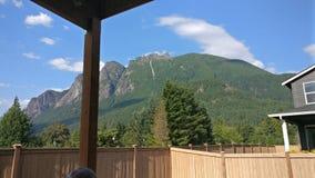 Opinião do quintal da montanha do si, WA EUA fotos de stock