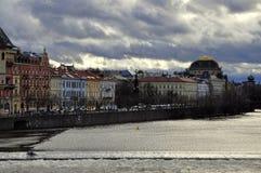 Opinião do rio de Vltava de Charles Bridge Foto de Stock Royalty Free