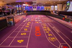 Opinião do ` s do jogador de uma tabela inativa do excremento no casino do ` s de Harrah Imagens de Stock