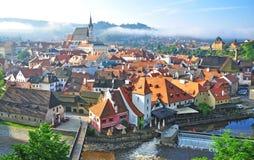 Opinião do verão da cidade velha de Cesky Krumlov foto de stock royalty free