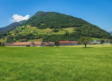 Opinião do verão no cantão suíço de Schwyz Fotos de Stock