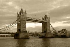 Opinião do vintage da ponte da torre Fotografia de Stock Royalty Free
