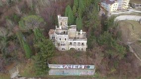 Opinião do zangão da dacha abandonada Kvitko da mansão, Sochi, Rússia filme