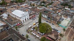 Opinião do zangão do EL Retiro Central Park perto de Medellin, Colômbia fotos de stock