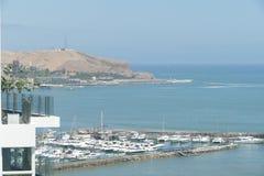 Opinião em Barranco da parte superior de um penhasco, Lima de Mariva imagens de stock royalty free