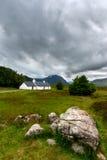 A opinião escocesa do campo das montanhas fotos de stock