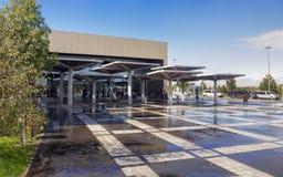 Opinião exterior de terminal de aeroporto internacional Foto de Stock