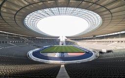 Opinião exterior Olympia Stadium de Berlim, construída para os 1936 Olympics de verão , em Berlim, Alemanha Fotos de Stock