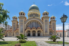 Opinião frontal Saint Andrew Church, a igreja a maior em Grécia, Patras, Peloponnese, Grécia imagens de stock