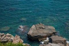 Opinião Hai Ting da garganta de Lingshui da ilha do limite Imagem de Stock Royalty Free