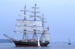 Opinião holandesa do encosto de Stad Amsterdão do sailship do treinamento Imagem de Stock Royalty Free