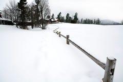 Opinião home dos montes do inverno Foto de Stock