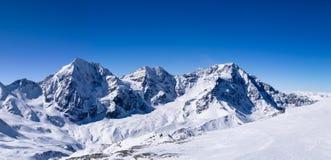 Opinião II do moutain do panorama do inverno foto de stock royalty free