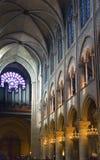 Opinião interior Notre Dame Cathedral o 14 de março de 2012 em Paris, França Fotografia de Stock Royalty Free