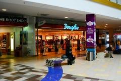 Opinião interna do centro da loja do panorama da cidade de Vilnius Fotografia de Stock Royalty Free