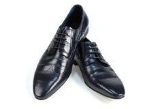 Opinião lateral das sapatas de couro pretas dos homens Imagens de Stock