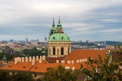 Opinião Lesser Town de Hradcany (castelo de Praga) Foto de Stock