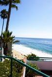 Opinião litoral do amanhecer do oceano do montanhês Feriado do dia calmo, ensolarado em Califórnia imagem de stock royalty free