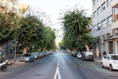 Opinião longa da rua Fotos de Stock Royalty Free