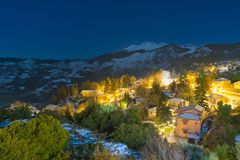 Opinião média da noite de Trikala em Corinth Grécia Fotografia de Stock Royalty Free