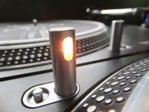 Opinião macro do detalhe da plataforma giratória do DJ Imagens de Stock