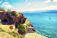 Opinião magnífica do litoral da lagoa do azul de turquesa Console de Crete, Greece Imagens de Stock