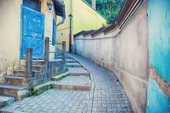 Opinião medieval da rua na fortaleza Foto de Stock