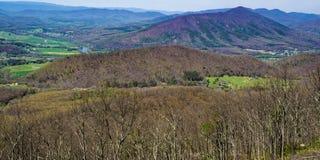 Opinião a montanha do purgatório e o James River - 2 imagens de stock royalty free