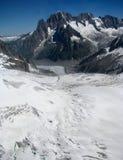 Opinião Monte Bianco dos cumes das montanhas Fotos de Stock Royalty Free
