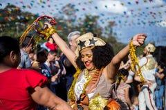 Opinião a mulher em brasileiro típico, partido de Junina fotografia de stock