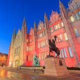 Opinião na noite, Aberdeen Escócia da faculdade de Marischal foto de stock royalty free