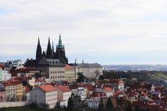 Opinião nebulosa de Praga imagens de stock royalty free