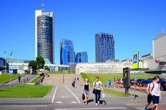 Opinião nova dos arranha-céus da cidade de Vilnius o 6 de junho de 2015 Foto de Stock