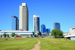 Opinião nova dos arranha-céus da cidade de Vilnius o 6 de junho de 2015 Fotos de Stock Royalty Free