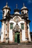 Opinião o Igreja de Sao Francisco de Assis da cidade do patrimônio mundial do unesco do preto do ouro em gerais Brasil de minas imagem de stock royalty free