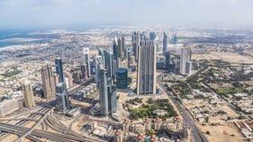 Opinião o Sheikh Zayed Estrada em Dubai do centro Foto de Stock