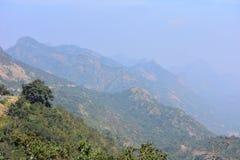 Opinião ocidental de Ghats dos montes de Meghamalai no Tamil Nadu imagens de stock