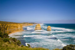 Opinião os 12 apóstolos na grande estrada do oceano, Melbo Fotografia de Stock Royalty Free