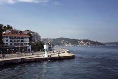 Opinião os povos por Bosphorus fotografia de stock royalty free