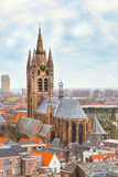 Opinião panorâmico aérea da rua com as casas na louça de Delft, Holanda Fotografia de Stock Royalty Free